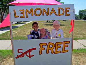 Original Photo Credit: Rochelle Hartman --- Free Lemonade